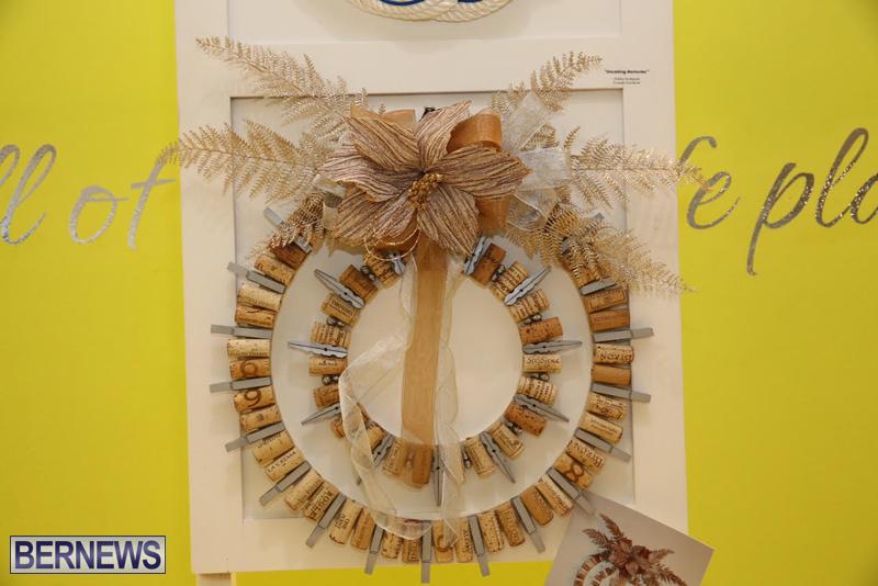 Bermuda-Christmas-wreaths-in-mall-2016-26