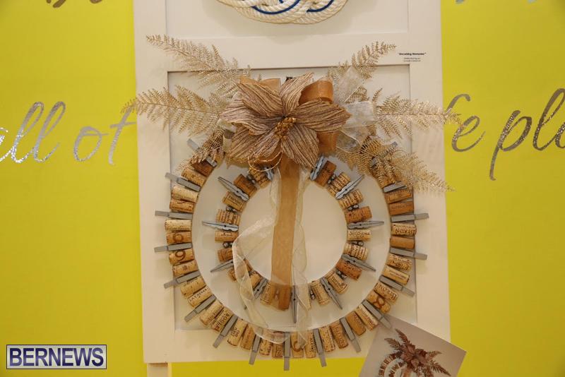 Bermuda-Christmas-wreaths-in-mall-2016-27
