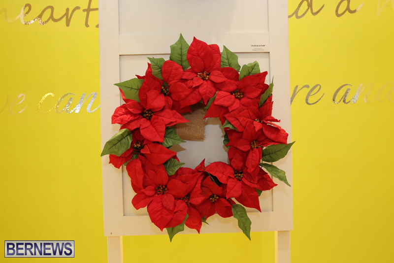 Bermuda-Christmas-wreaths-in-mall-2016-36
