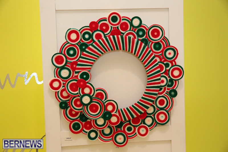 Bermuda-Christmas-wreaths-in-mall-2016-40