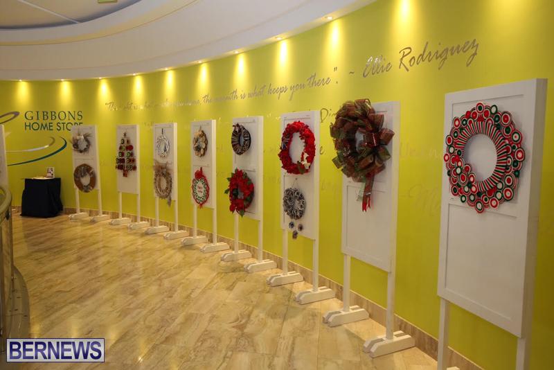 Bermuda-Christmas-wreaths-in-mall-2016-42