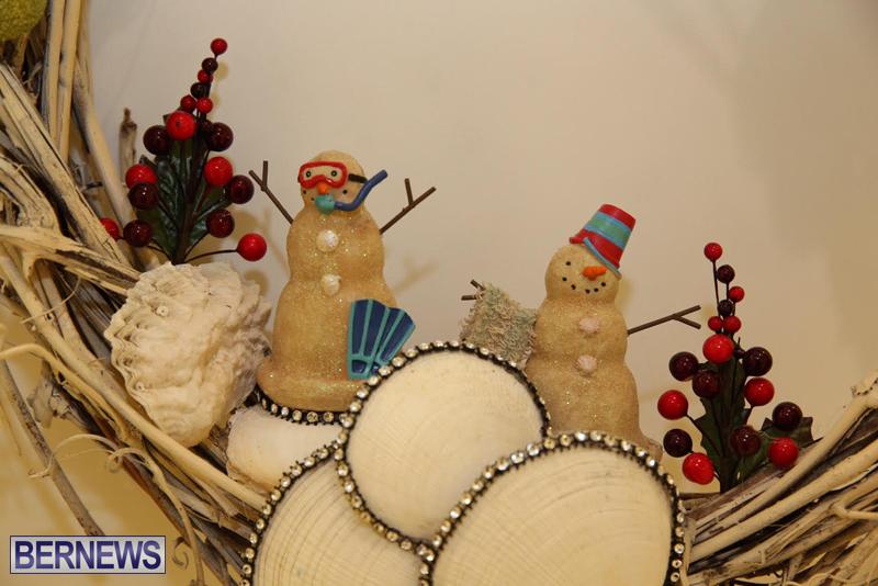 Bermuda-Christmas-wreaths-in-mall-2016-45