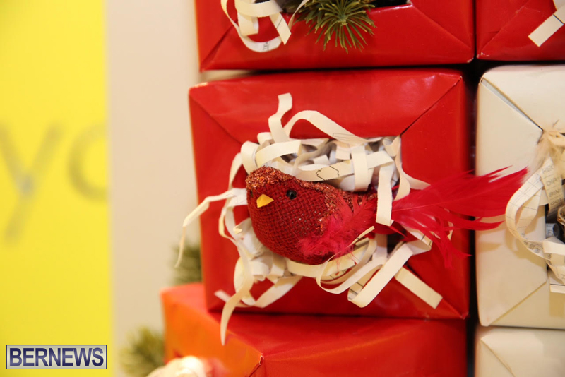 Bermuda-Christmas-wreaths-in-mall-2016-48