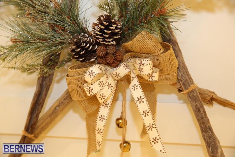 Bermuda-Christmas-wreaths-in-mall-2016-51