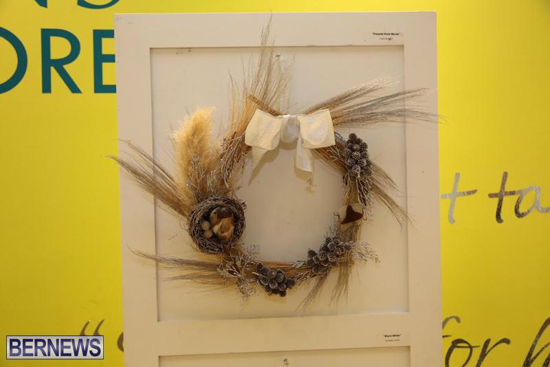 Bermuda-Christmas-wreaths-in-mall-2016-54