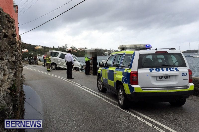Car Collision With Wall Harbour Road Bermuda, December 9 2016 (5c)