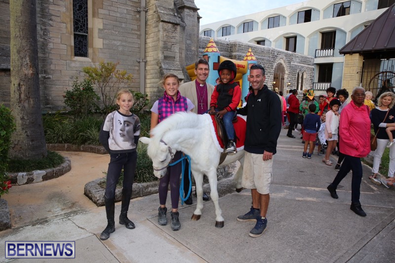 Cathedral-Pony-Rides-Fun-Castle-Dec-23-12