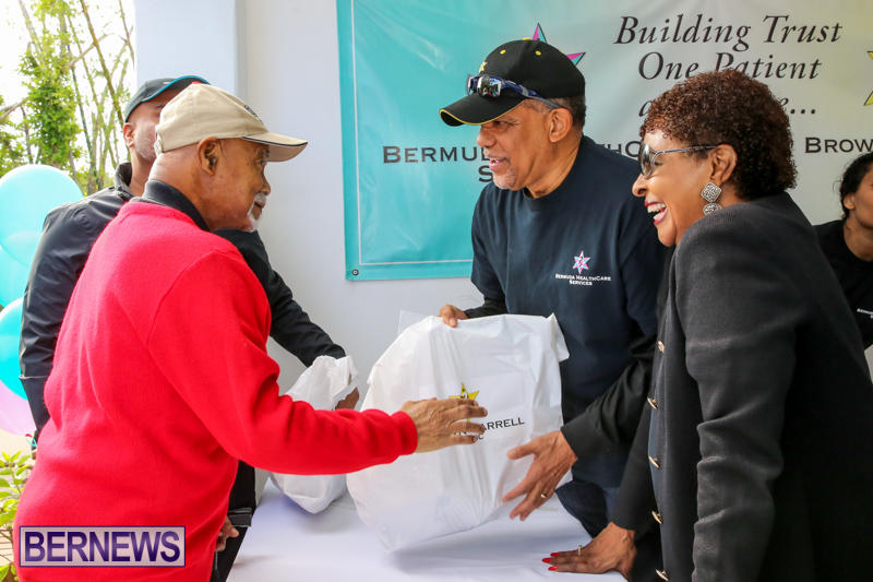 Dr-Ewart-Brown-Turkey-Giveaway-Bermuda-HealthCare-Services-December-17-2016-12