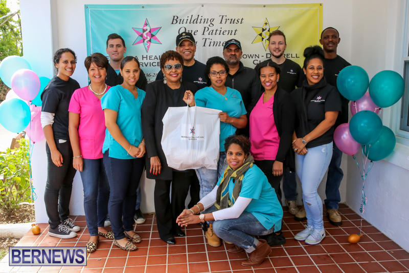 Dr-Ewart-Brown-Turkey-Giveaway-Bermuda-HealthCare-Services-December-17-2016-15