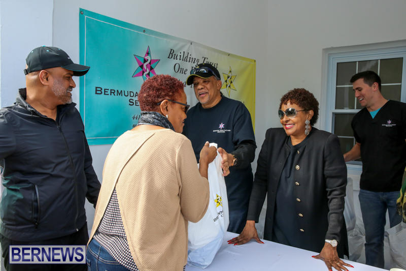 Dr-Ewart-Brown-Turkey-Giveaway-Bermuda-HealthCare-Services-December-17-2016-6