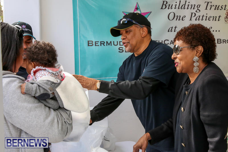 Dr-Ewart-Brown-Turkey-Giveaway-Bermuda-HealthCare-Services-December-17-2016-9