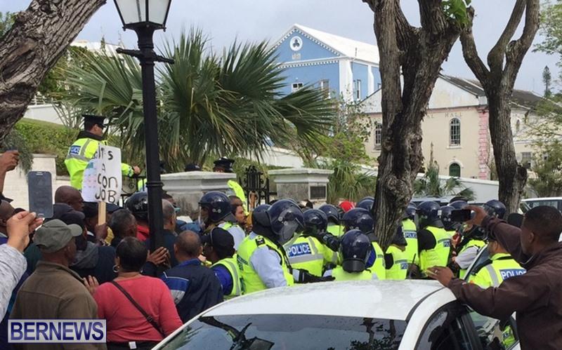 riot-police-at-protest-dec-2-2016-4