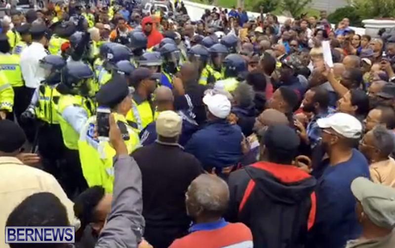 riot-police-at-protest-dec-2-2016-9