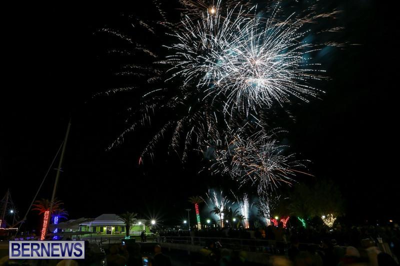 New-Years-Eve-Fireworks-Bermuda-December-31-2016-1