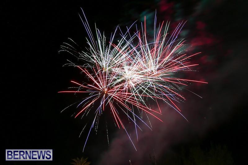 New-Years-Eve-Fireworks-Bermuda-December-31-2016-12