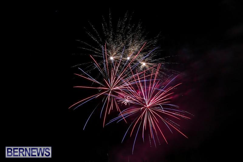 New-Years-Eve-Fireworks-Bermuda-December-31-2016-15