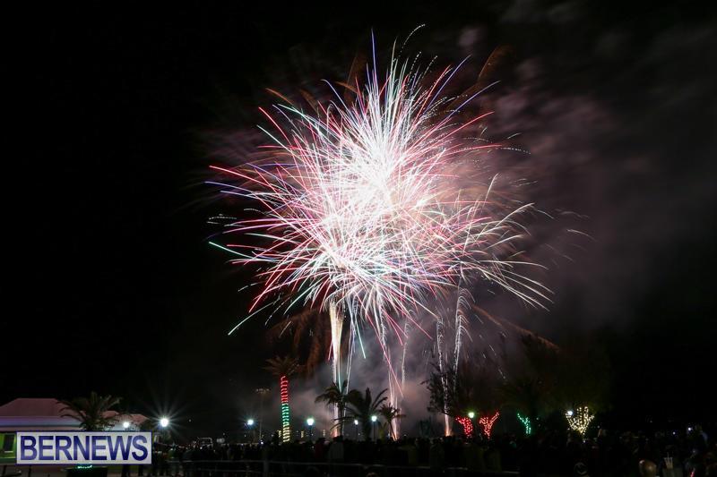 New-Years-Eve-Fireworks-Bermuda-December-31-2016-17