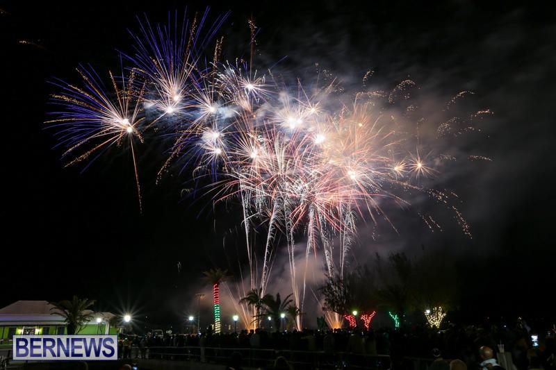 New-Years-Eve-Fireworks-Bermuda-December-31-2016-19