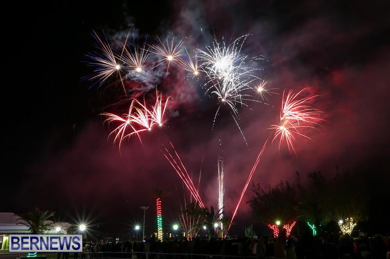 New-Years-Eve-Fireworks-Bermuda-December-31-2016-26