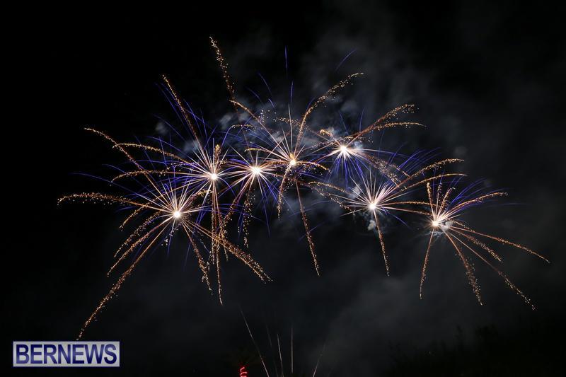 New-Years-Eve-Fireworks-Bermuda-December-31-2016-28