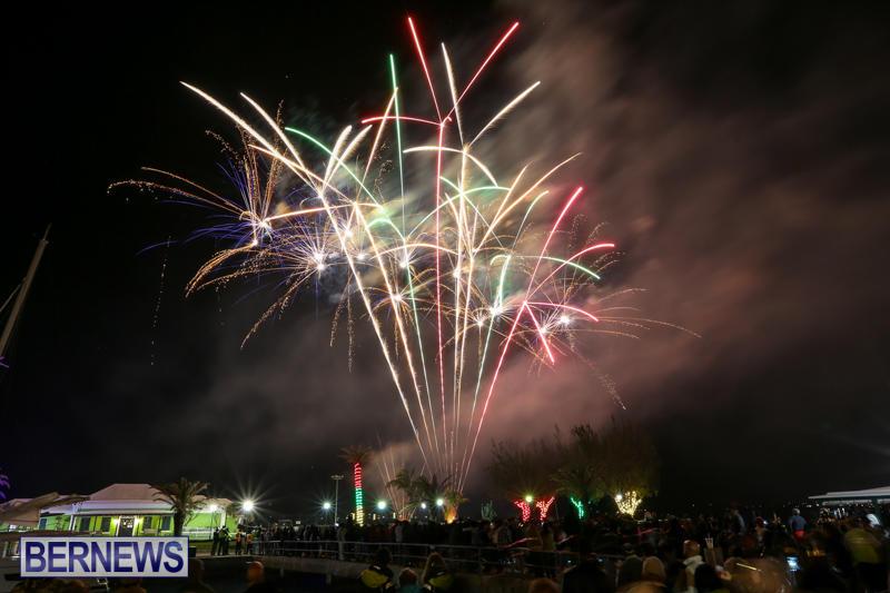 New-Years-Eve-Fireworks-Bermuda-December-31-2016-29