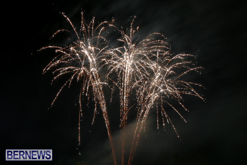 New-Years-Eve-Fireworks-Bermuda-December-31-2016-31