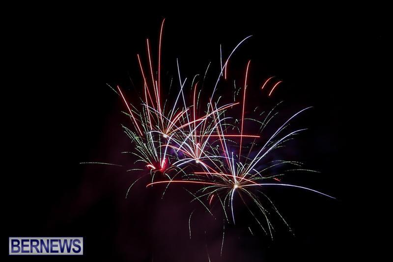 New-Years-Eve-Fireworks-Bermuda-December-31-2016-4