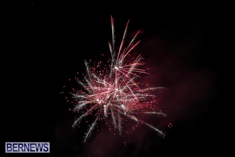 New-Years-Eve-Fireworks-Bermuda-December-31-2016-7