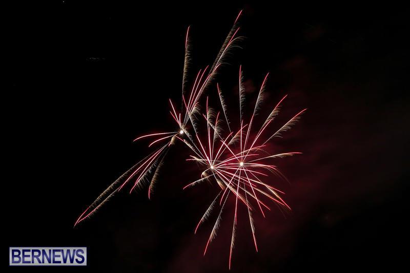 New-Years-Eve-Fireworks-Bermuda-December-31-2016-8