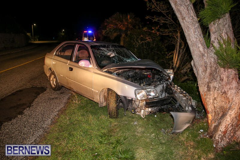Car-Tree-Collision-Bermuda-February-18-2017-2