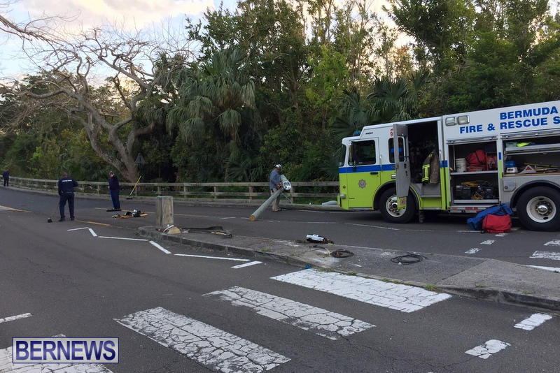 Frog Lane Montpelier road Collision Bermuda, March 21 2017 (4)