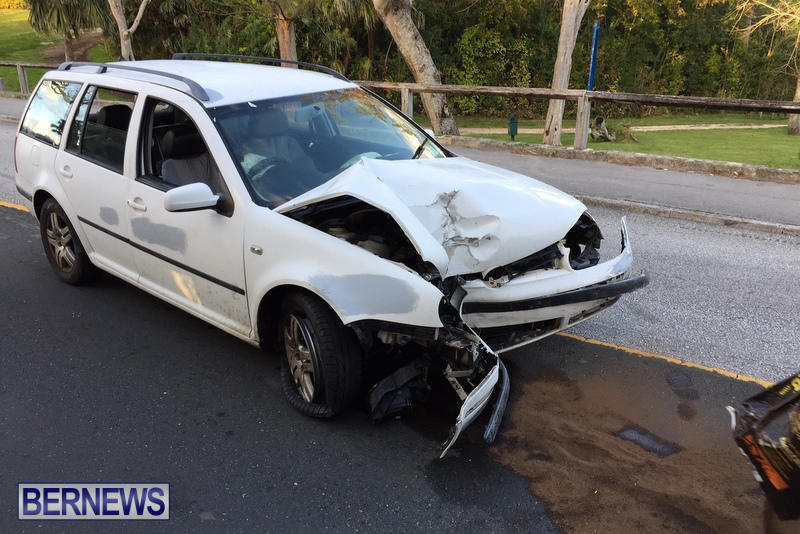 Frog Lane Montpelier road Collision Bermuda, March 21 2017 (7)