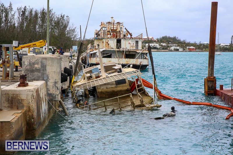 Sunken-Boat-Ships-Marginal-Wharf-Bermuda-March-30-2017-1