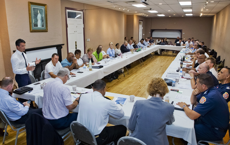 7527_NS_MINISTER_TABLE_TOP_MEETING_GROUP_AC_PLANNING_VSR_048