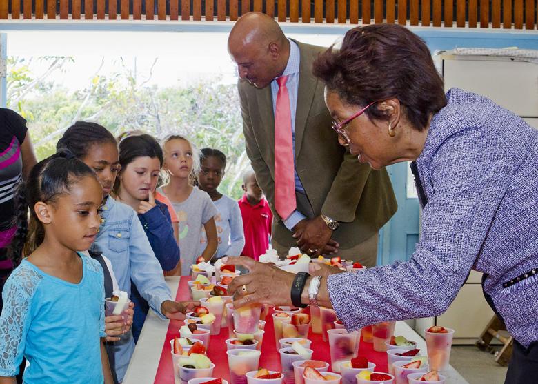 Fresh Fruit Friday Bermuda April 2017 (2)