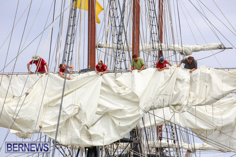 Oliver-Hazard-Perry-Tall-Training-Ship-Bermuda-April-9-2017-7
