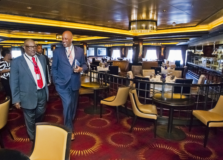 TOURISM MINISTER FIRST INAUGURAL CRUISE 2017 NORWEGIAN EPIC Bermuda April 4 2017 (6)