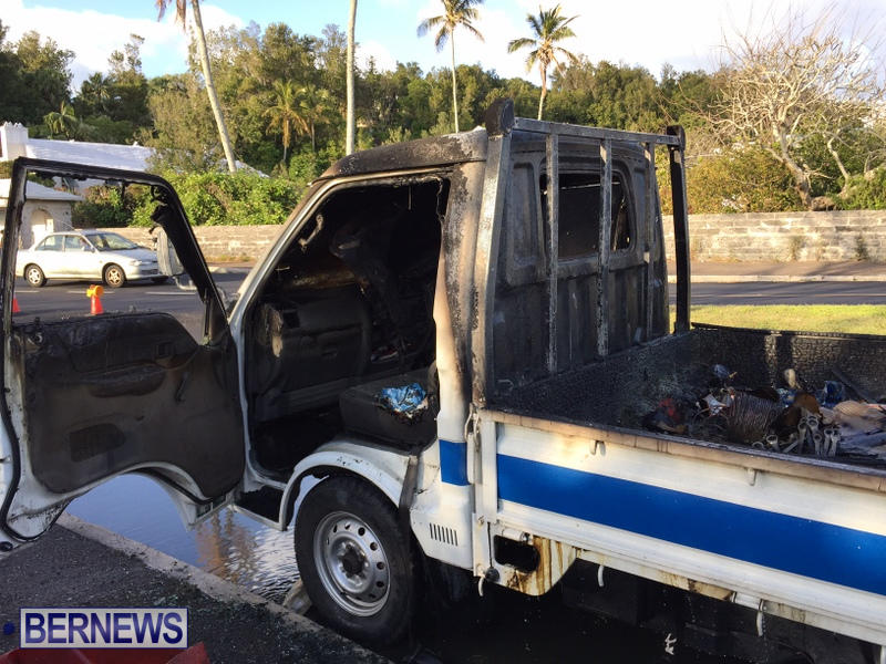 Truck Fire Hamilton Bermuda, April 15 2017 (6)