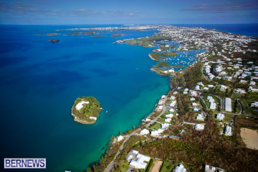 278 A magnificent view of the Bermuda coastline from the air.