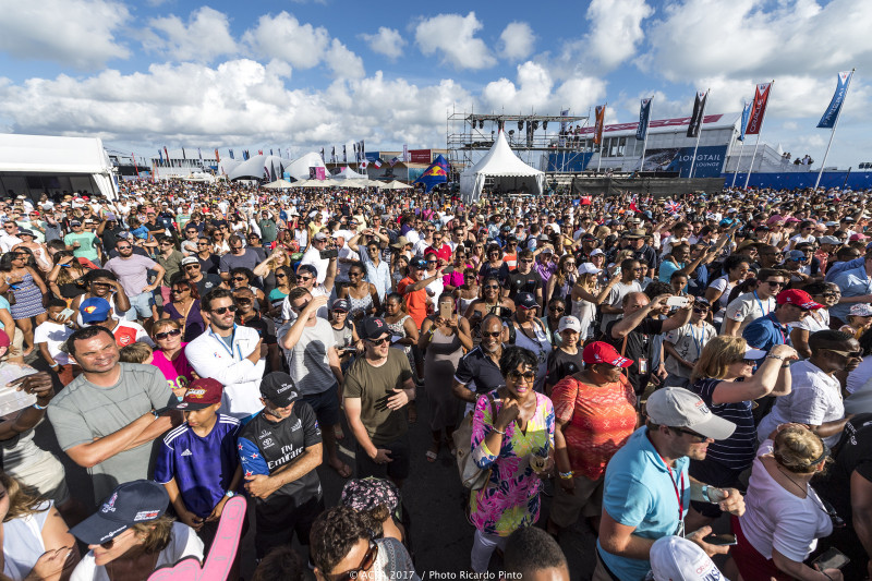 35th-Americas-Cup-Day-1-May-27-2017-Bermuda-10