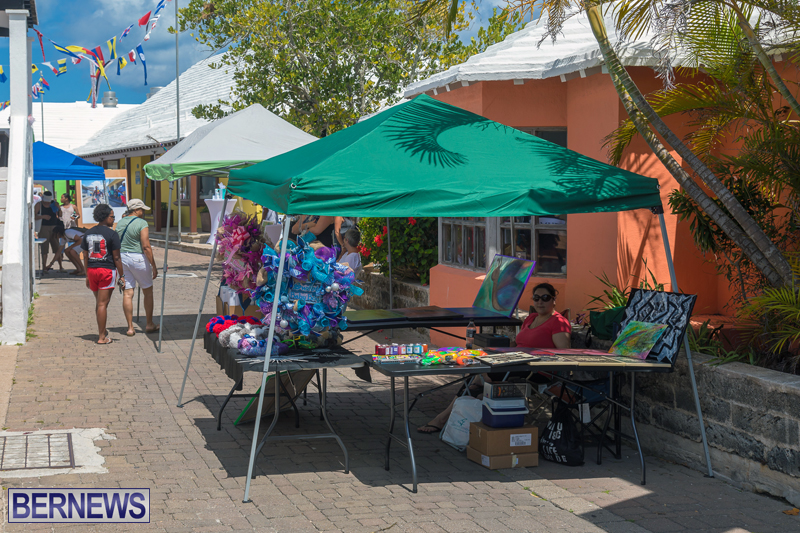 Art-Walk-Bermuda-May-27-2017-1
