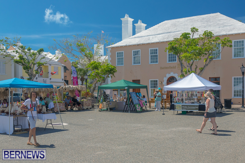 Art-Walk-Bermuda-May-27-2017-39