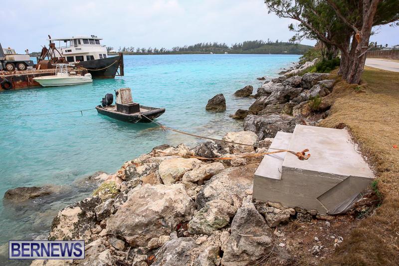 Floating Dock Causeway Bermuda, May 14 2017-5
