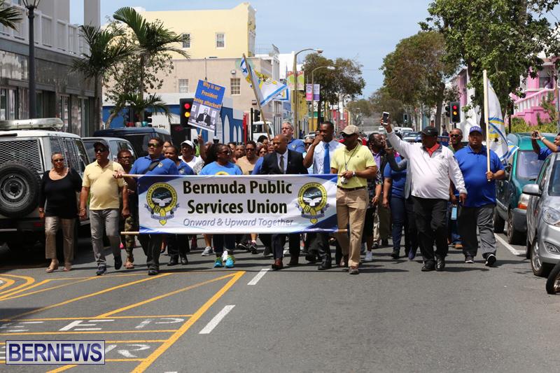 Outside court Bermuda May 3 2017 (16)