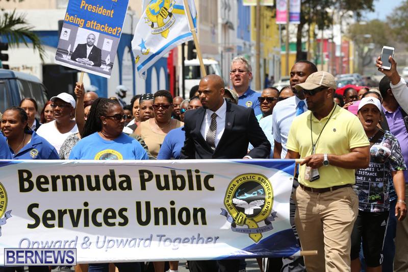 Outside court Bermuda May 3 2017 (17)