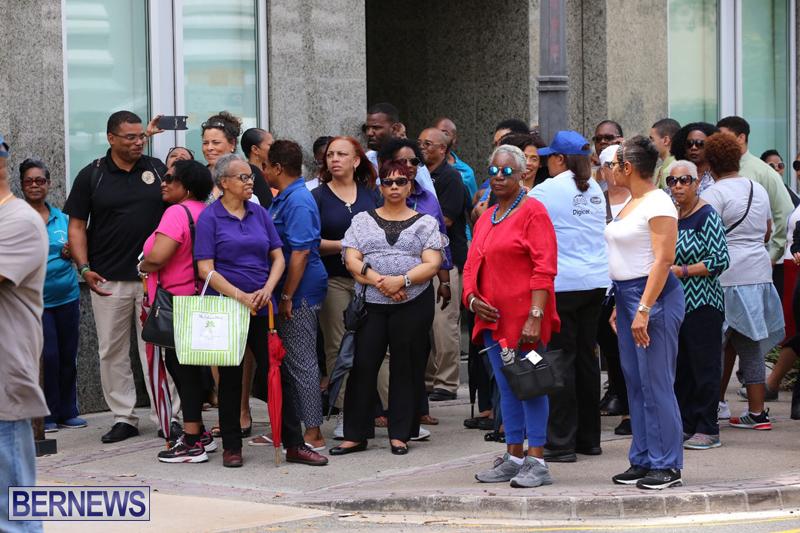 Outside court Bermuda May 3 2017 (23)