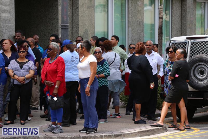 Outside court Bermuda May 3 2017 (24)