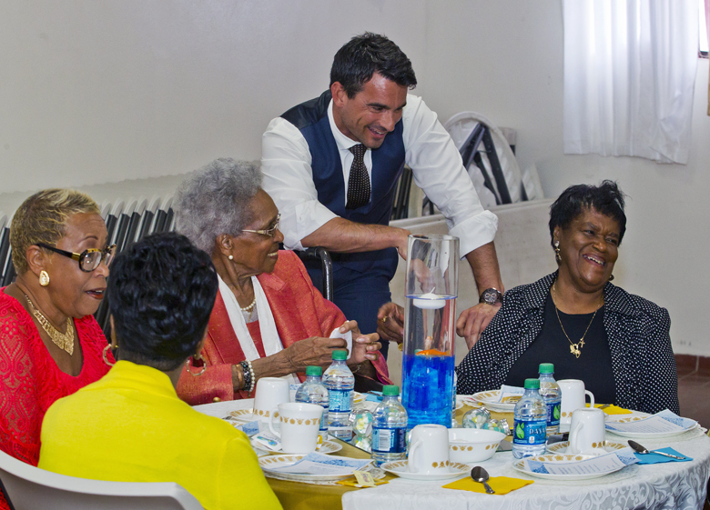 Seniors Tea Bermuda May 1 2017 (2)