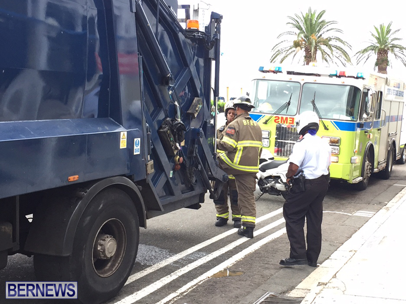 Trash Truck Bermuda May 11 2017 (1)