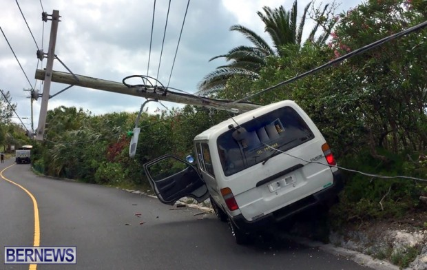 Van struck Bermuda May 12 2017 (5)